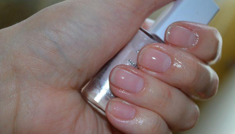 эффект на ногтях после нанесения в 1 слой