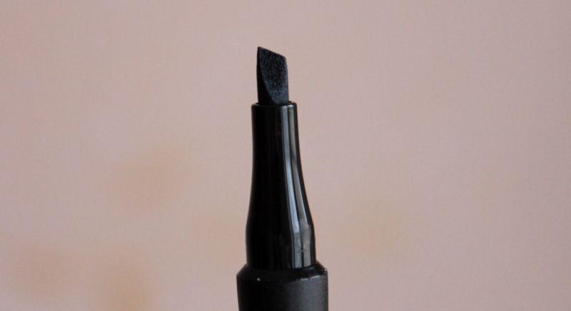 Жидкая подводка для глаз Avon Mark «МегаЭффект»