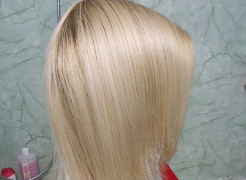 Шампунь для осветленных и мелированных волос Avon Advance Techniques «Ослепительный блонд»